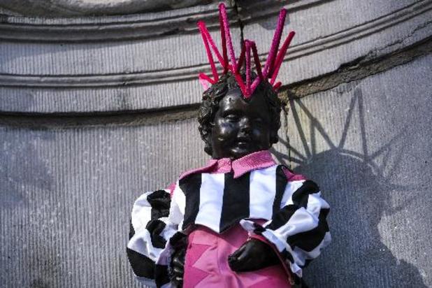 Manneken-Pis reçoit un nouveau costume queer pour le lancement du festival Q.ARTz