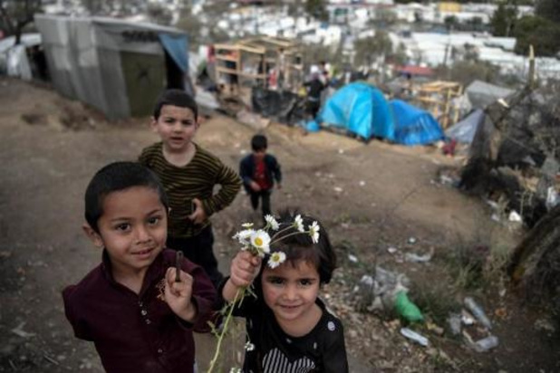 Kamercommissie vraagt regering niet-begeleide kinderen uit Griekse kampen op te vangen