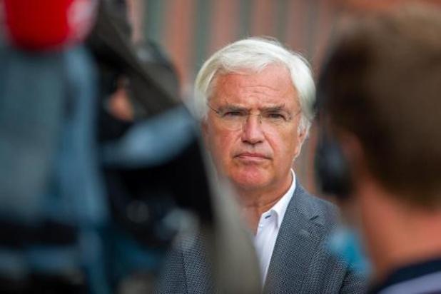 West-Vlaams gouverneur Decaluwé verbiedt vuurwerk en kerstboomverbrandingen