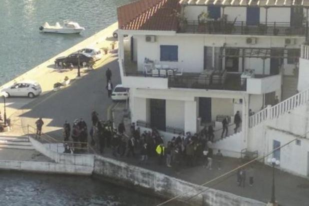 Grèce: le Premier ministre à nouveau critiqué pour avoir violé les règles du confinement