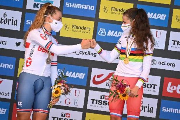 Zoe Backstedt, fille de l'ancien coureur Magnus, médaillée d'argent du chrono