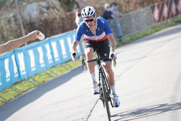 Arnaud Démare s'impose au sprint devant Timothy Dupont