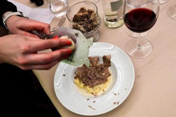 Italie: une truffe blanche adjugée 120.000 euros à la traditionnelle vente d'Alba