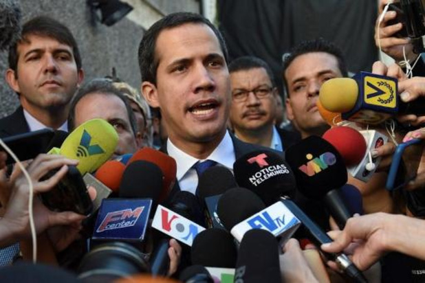 Venezuela: les forces de l'ordre empêchent Juan Guaido d'entrer au Parlement