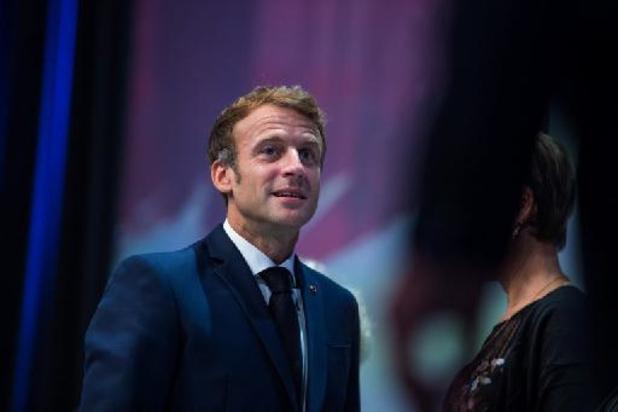 Face à l'accalmie, Macron réfléchit à moins de restrictions