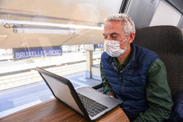 """Voortaan zijn treinreizigers """"Onderweg. Naar beter"""" met de NMBS"""