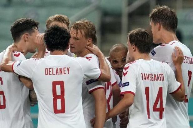 EK 2020 - Denemarken duwt Tsjechië kopje onder en plaatst zich voor de halve finales