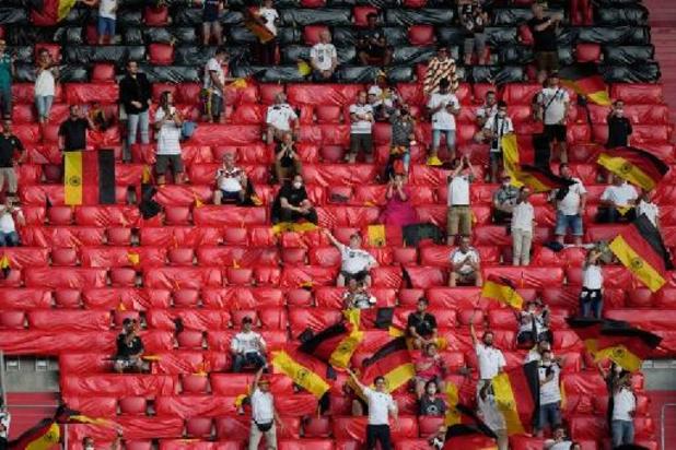 Euro 2020 - Un activiste de Greenpeace manque de s'écraser en tribune avant France-Allemagne