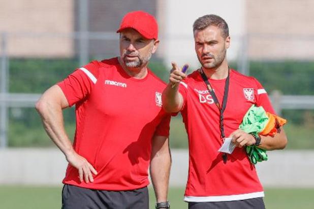 STVV traint voor het eerst onder Bernd Hollerbach