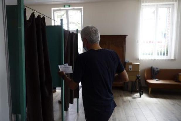 France: ouverture des bureaux de vote pour le second tour des régionales