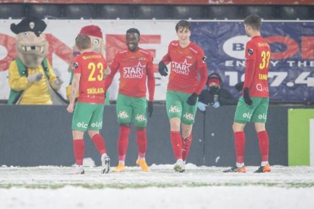 Jupiler Pro League - Sakala trapt Oostende in sneeuwballet voorbij Kortrijk