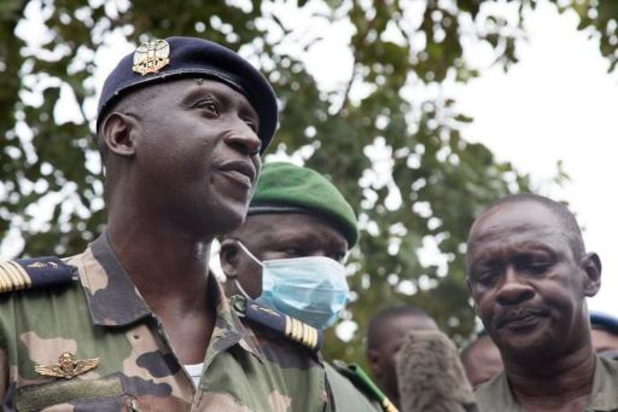 """Coup d'Etat au Mali - La junte promet un président de transition, """"un militaire ou un civil"""""""