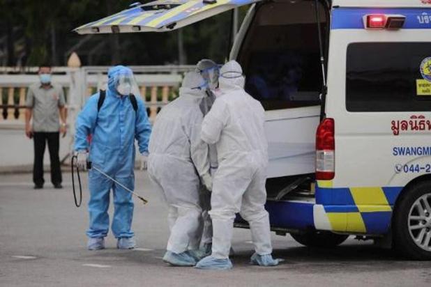 Oversterfte door pandemie twee à drie keer hoger dan officiële dodentol