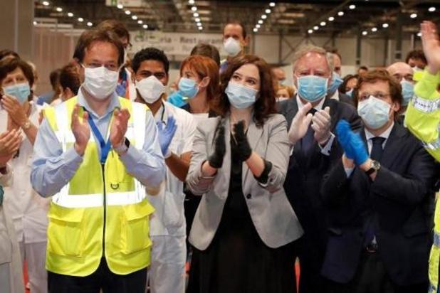 """""""Wonderhospitaal"""" voor coronapatiënten in Madrid gesloten na daling besmettingen"""
