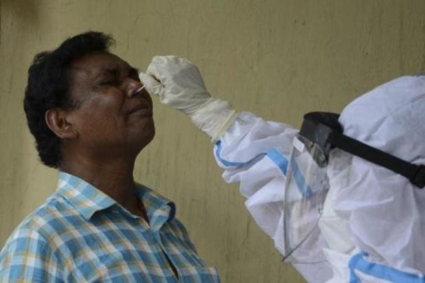 Aantal dagelijkse coronabesmettingen in India zakt onder 200.000
