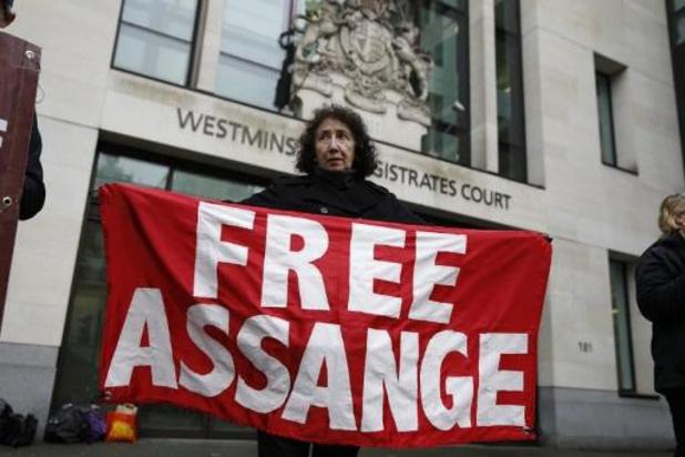 Beroemdheden steunen Assange tijdens protestmars in Londen