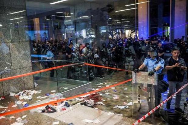 Six personnes attaquées au couteau à Hong Kong, dont une figure locale de la contestation