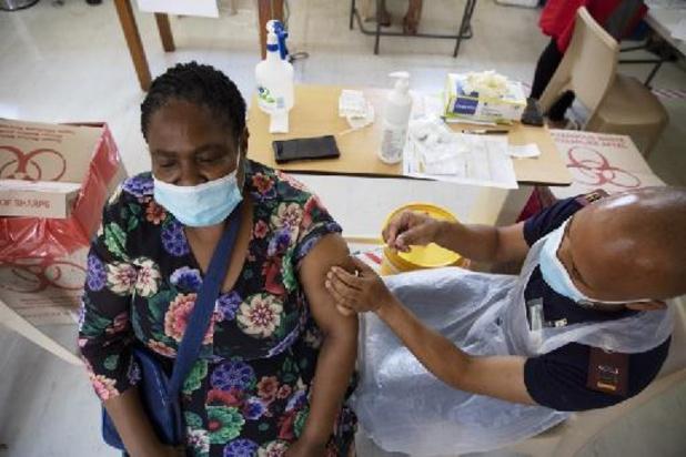 Coronavirus: début des vaccinations à grande échelle en Afrique du Sud
