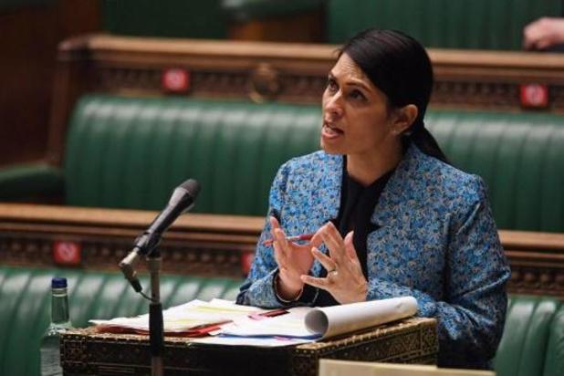 Britse regering wil migrantenboten dwingen om te keren