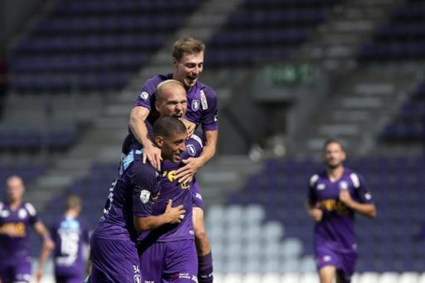 Jupiler Pro League - Beerschot bat Zulte Waregem (3-1) dans un match interrompu 20 minutes par la pluie