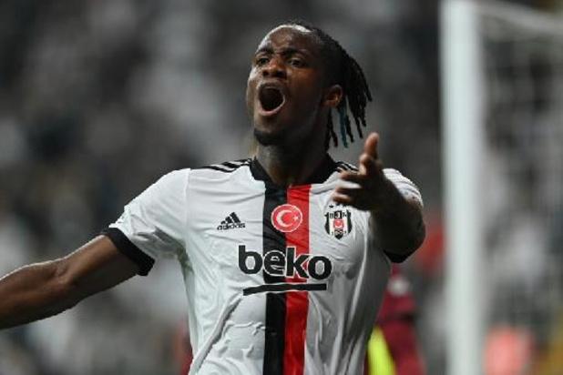 Belgen in het buitenland - Batshuayi luidt met goal en assist ommekeer in voor Besiktas bij Antalyaspor