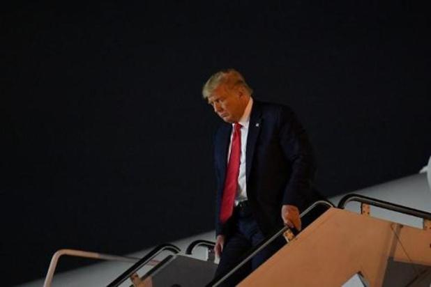 Donald Trump stemt in West Palm Beach, Florida