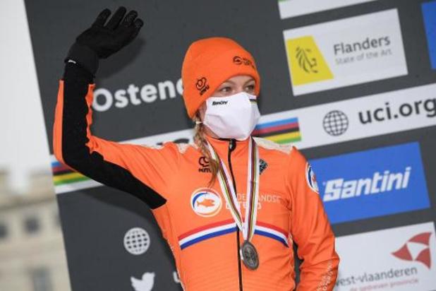"""Championnats du monde de cyclocross - Annemarie Worst n'en veut pas à Brand après sa chute dans le final: """"Cela peut arriver"""""""