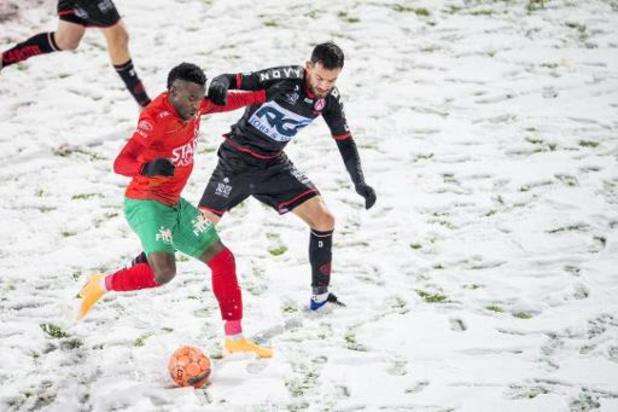 Jupiler Pro League - Sur un terrain à la limite du praticable, Ostende prend la mesure de Courtrai