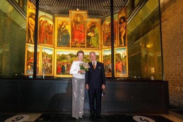 """Le Roi et le Reine ont assisté à la première mondiale de """"Für Jan Van Eyck"""" à Gand"""