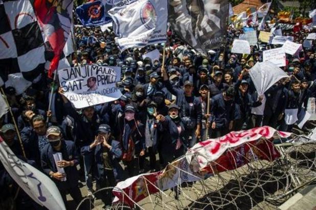 Meer dan 300 gewonden na treffen tussen Indonesische betogers en politie