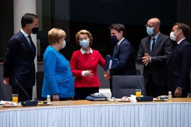 Un mini-sommet pour lancer une deuxième journée d'âpres négociations