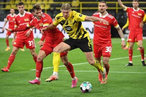 Belgen in het buitenland - Dortmund houdt kansen op Champions League gaaf, Stuttgart verliest van Wolfsburg