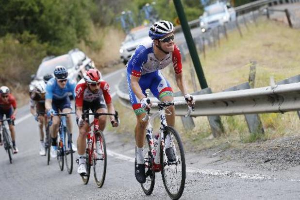 Miles Scotson remporte la première étape après un effort en solitaire