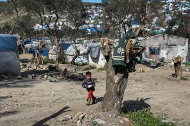 Mesures de confinement des migrants dans les camps en Grèce
