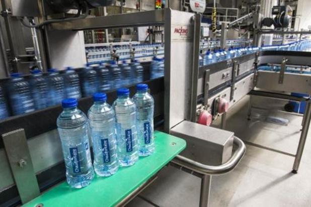 Une eau potable plus sûre réduira l'usage des bouteilles en plastique