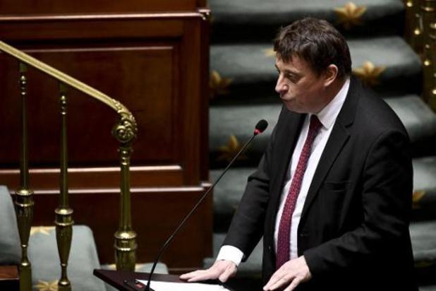 Burgemeester van Doornik uit verontwaardiging in brief aan Franse president Macron