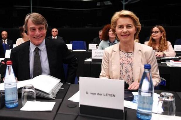 Ursula von der Leyen demandera à la Hongrie et la Roumanie de nouveaux candidats