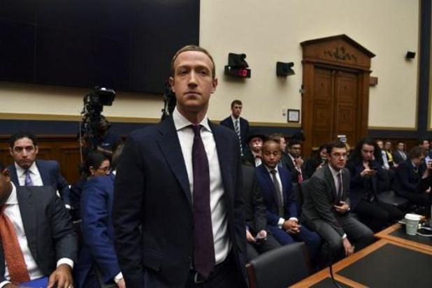 Zuckerberg in de slag met sceptische politici