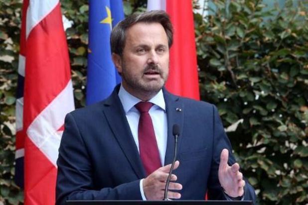 Johnson stuurt kat naar persconferentie met Luxemburgse premier