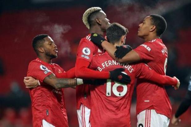 Premier League - Manchester United bat Aston Villa et rejoint Liverpool en tête