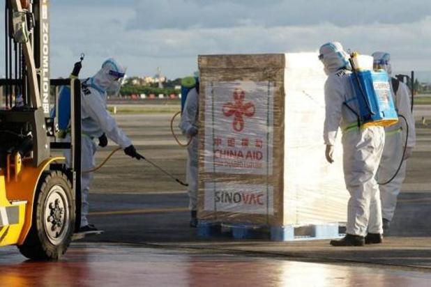 Les Philippines reçoivent de premières doses d'un vaccin chinois