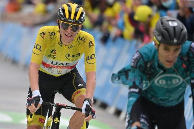 """Tour - Pogacar neemt nog wat meer afstand: """"Was een zware dag"""""""