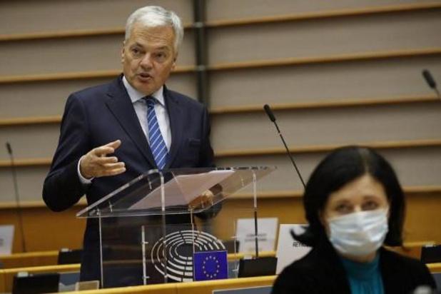 Passeports dorés: des pays tiers ont abrogé leur régime sous pression de l'UE