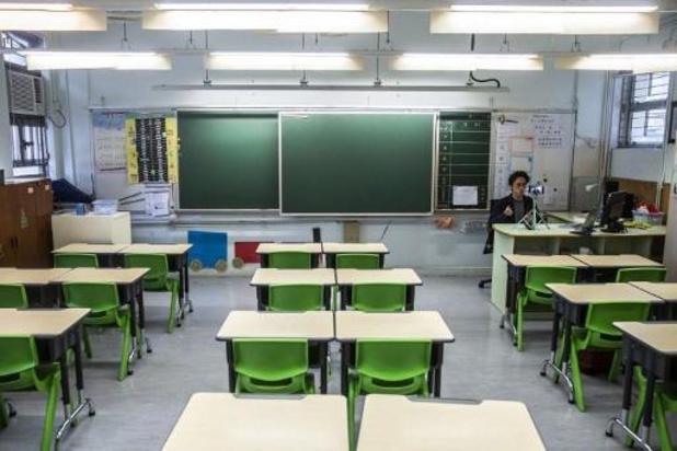 Face à un regain du virus, Hong Kong ferme de nouveau écoles et crèches