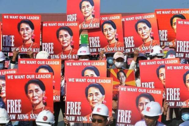 Myanmar: Aung San Suu Kyi woensdag voor rechtbank, meldingen van geweld bij protesten