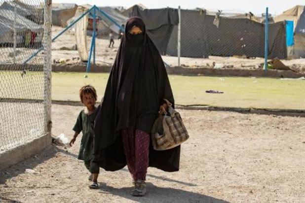 Opnieuw IS-weduwe ontsnapt uit kamp Al-Hol en onderweg naar België