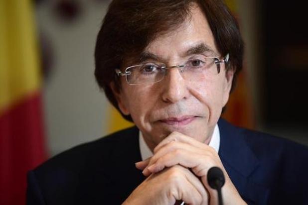 "Waalse regering stelt ""overgangsbegroting"" voor die 435 miljoen euro in het rood gaat"