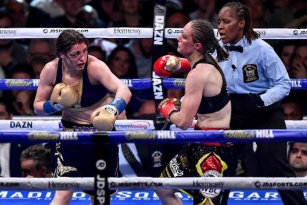Delfine Persoon heeft rematch tegen Katie Taylor beet