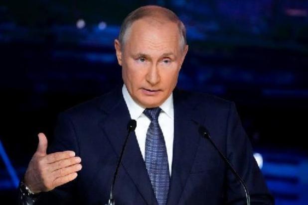 """Afghanistan: Poutine espère que les talibans deviendront """"civilisés"""""""