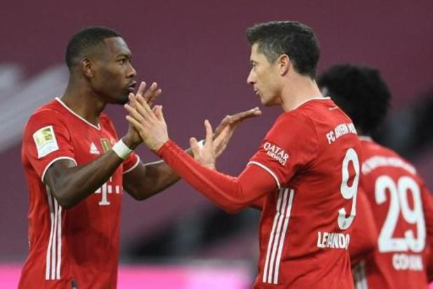 Belgen in het buitenland - Bayern pakt op de valreep de drie punten in hoogstaande topper tegen Dortmund